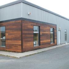 Construction commerciale (mur en bois) à Saint-Hyacinthe - Construction Daniel Rivard Inc. (entrepreneur général St-Hyacinthe)
